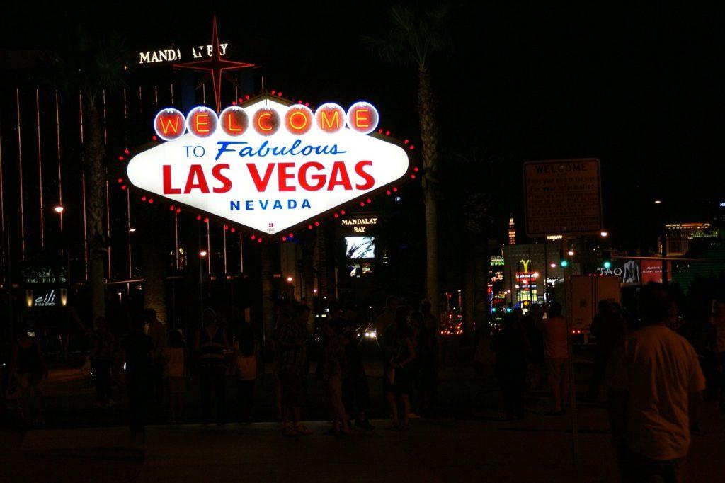 Placa Welcome to Fabulous Las Vegas à noite
